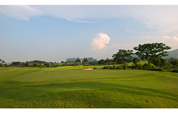 3rd green lakes courses, skylake golf resort, hanoi