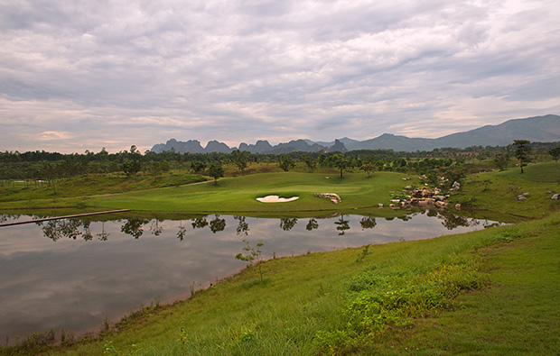 5th green sky lake golf resort, sky course, hanoi, vietnam