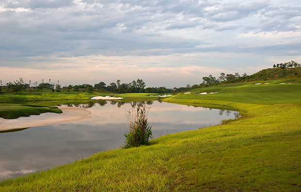 7th fairway rough, sky lake golf resort, sky course, hanoi, vietnam