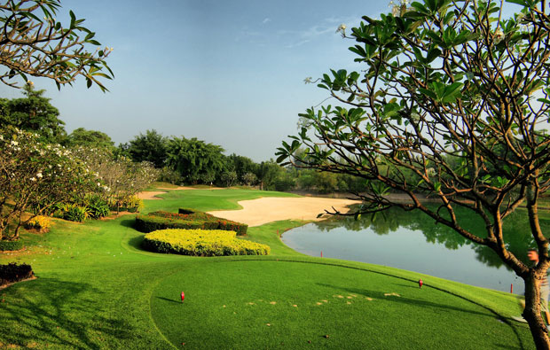 tee box alpine golf sports club, bangkok, thailand