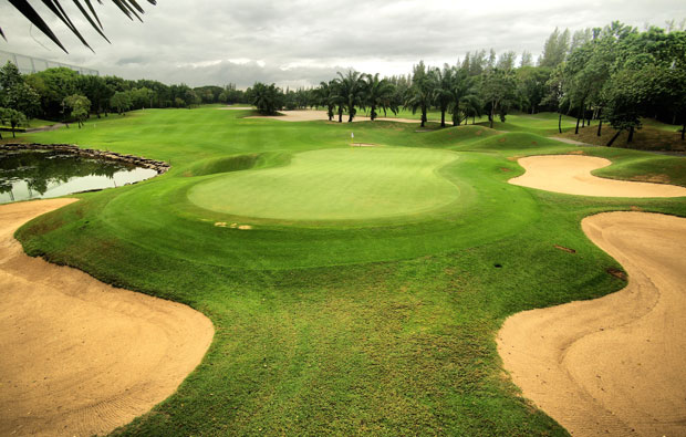 green at alpine golf sports club, bangkok, thailand