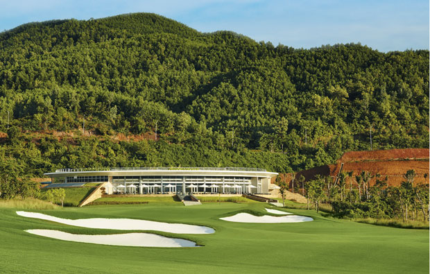 18th green bana hills golf club, danang, vietnam