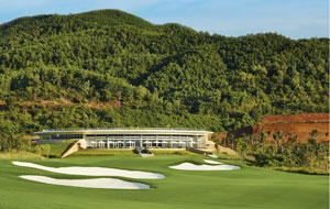 1st hole bana hills golf club, danang, vietnam