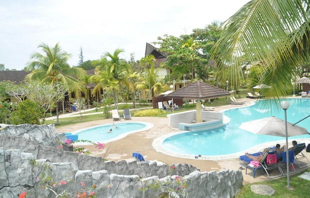 Beringgis Beach Resort pool