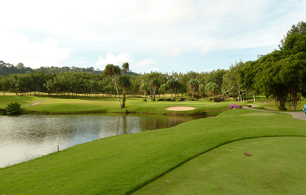 12th hole blue canyon country club lakes course, phuket