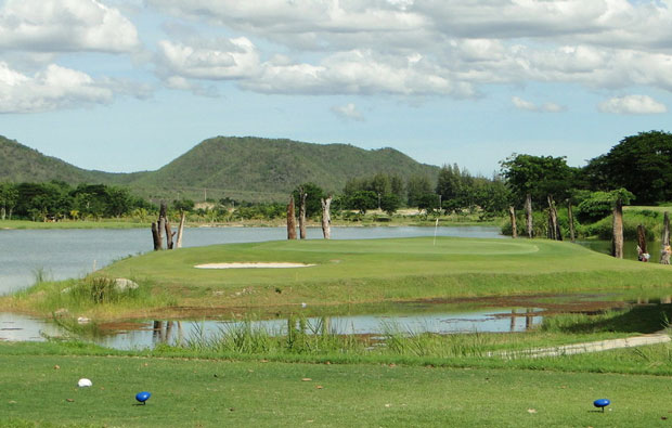 Par 3 Blue Sapphire Golf Resort in Kanchanaburi, Thailand
