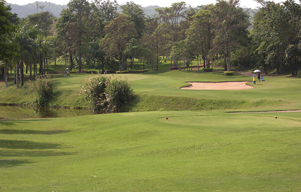 tee box, waterford valley golf club, chiang rai, thailand