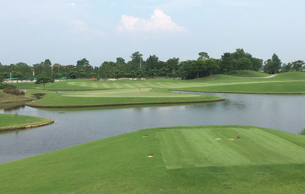 island green at cascata golf club, bangkok, thailand