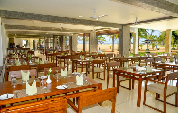 Goldi Sands Hotel - The Restaurant