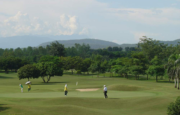 putting, royal chiang mai golf resort, chiang mai, thailand