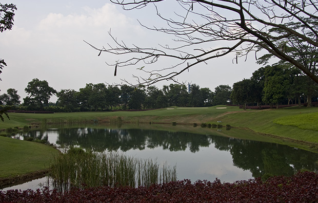 hole 4 lake course, emeralda golf country club, jakarta, indonesia