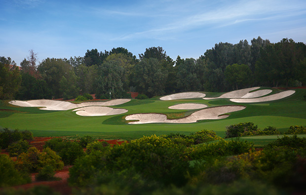 15th hole, jumeirah golf estates earth course, dubai, united arab emirates