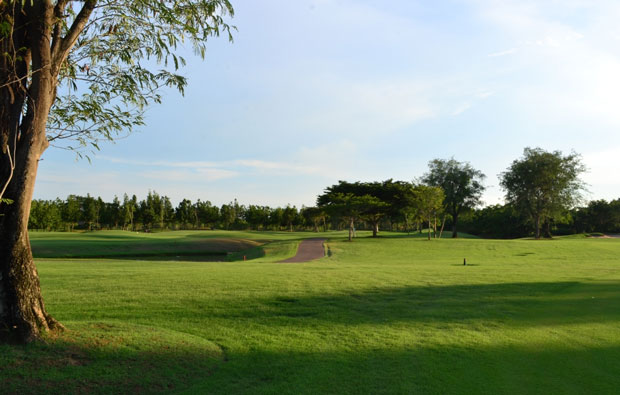 Kabinburi Sport Club fairway