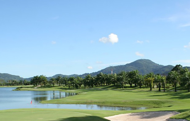 fairway 3rd hole loch palm golf club, phuket