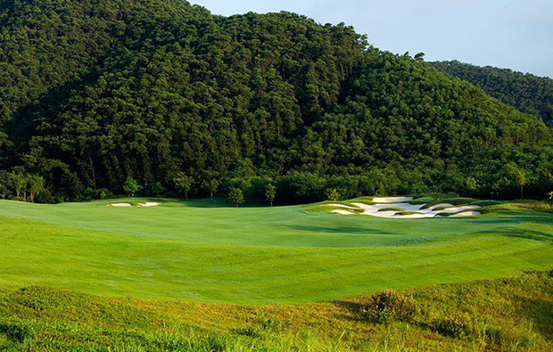 mountain side view at leadbetter course mission hills, guandong china
