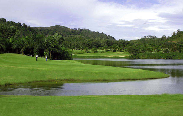approach to 2nd green loch palm golf club, phuket
