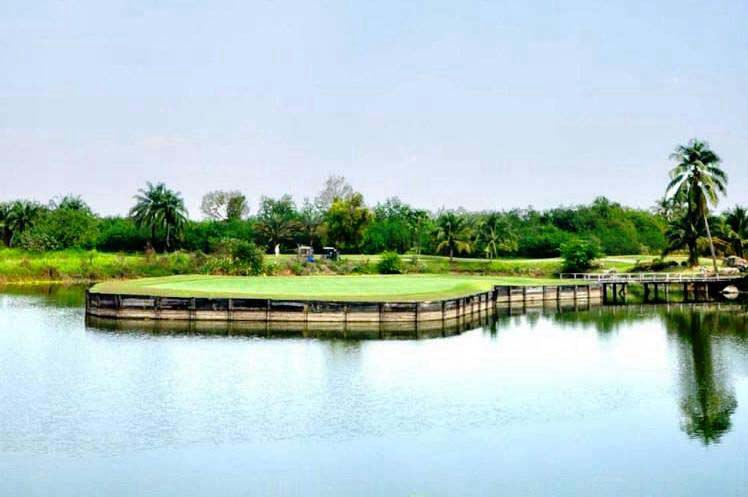 Island green Mission Hills Golf Club Kanchanaburi