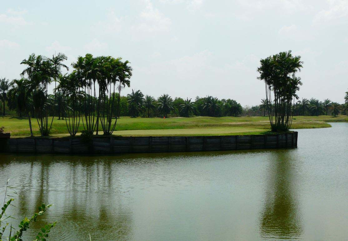 Water hazard Mission Hills Golf Club Kanchanaburi