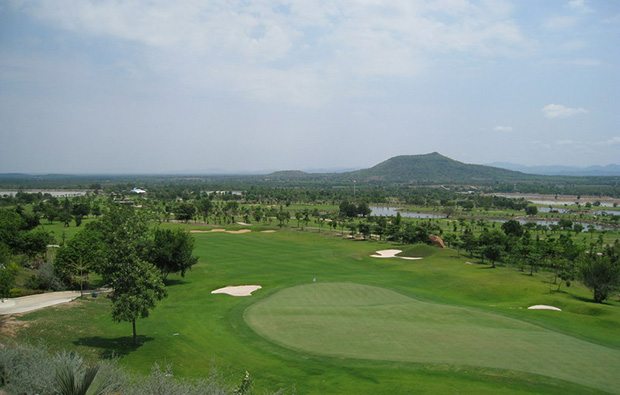 green, narai hills golf resort, khoa yai, thailand