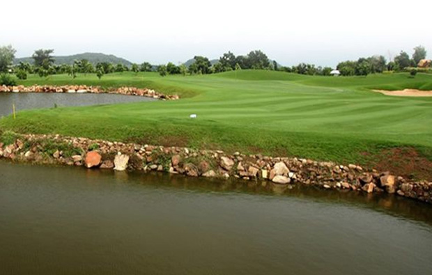 lake, narai hills golf resort, khoa yai, thailand