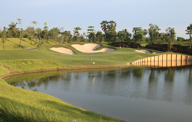 water hazard, nikanti golf club, bangkok, thailand
