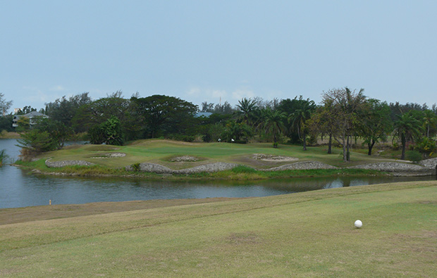 par 3 crystal bay golf club, pattaya, thailand