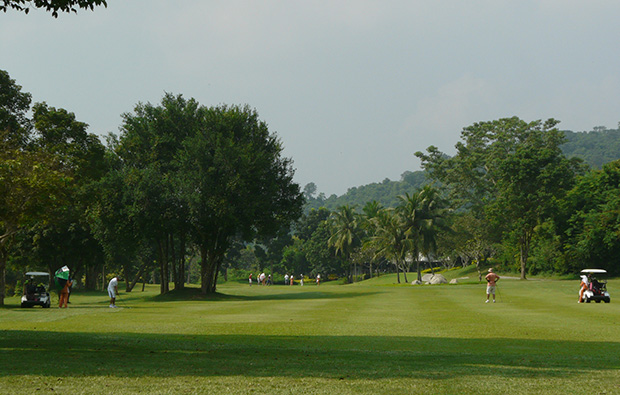view towards clubhouse, treasure hills golf club, pattaya, thailand