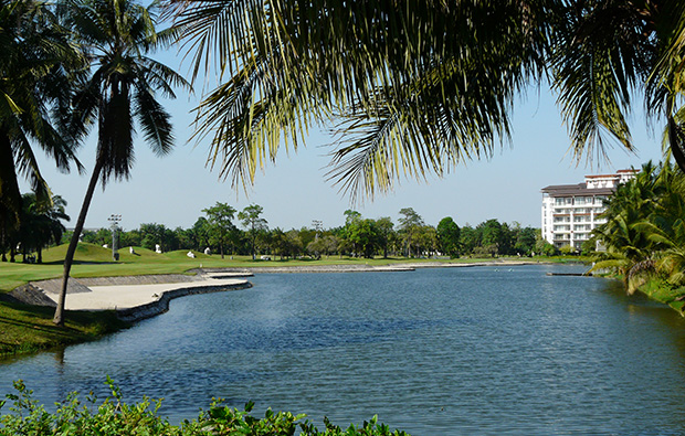 lake, summit windmill golf club, bangkok, thailand