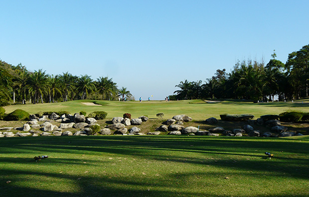 view to green, palm hills golf club, hua hin, thailand