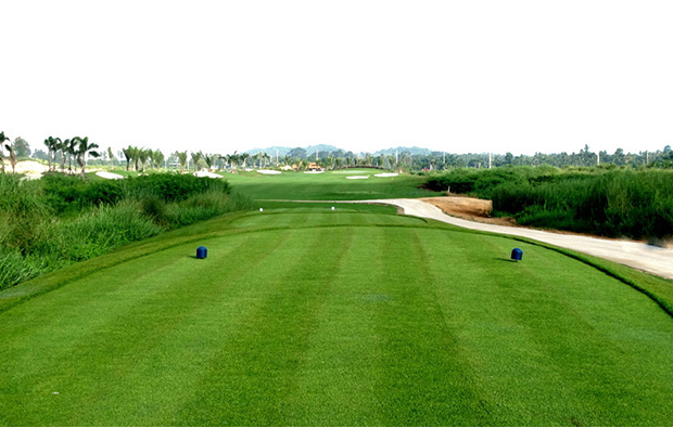 tee box Parichat International Golf Links, Pattaya, Thailand