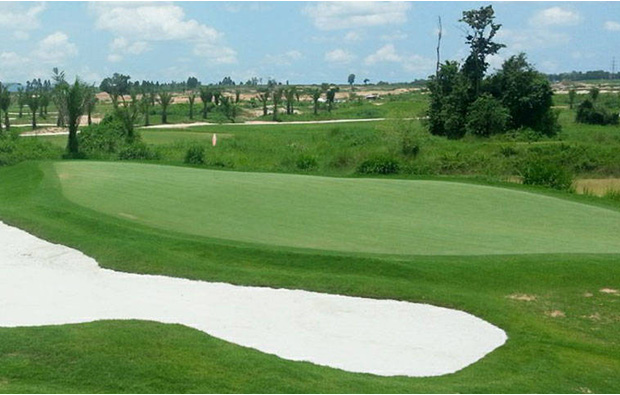 greenside bunker, Parichat International Golf Links, Pattaya, Thailand