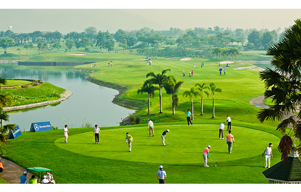 practice green, pattana golf resort, pattaya, thailand