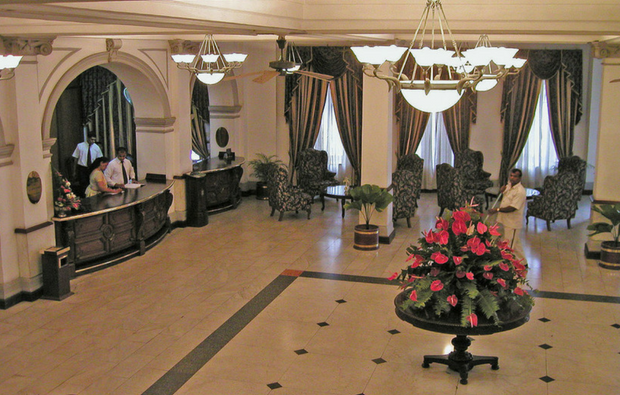 Queens Hotel - The Lobby