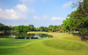 tee box, rayong green valley country club, pattaya, thailand