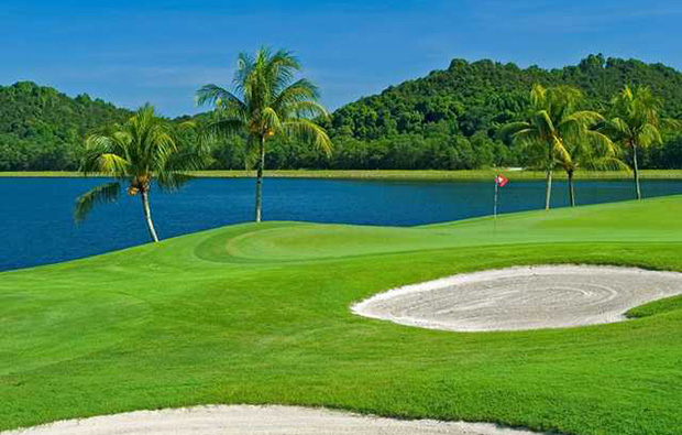 exceptional 18-hole golf courses raffles country club in singapore