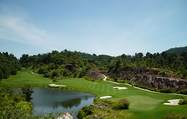 18th hole red mountain golf club, phuket