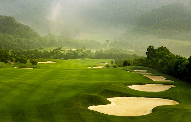 amazing bunkers at rose-poulter course mission hills, guangdong china