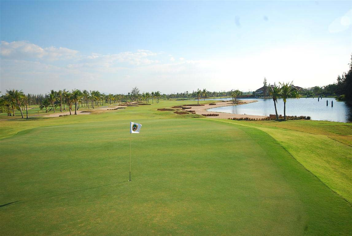 Fairway oyal Lakeside Golf Club Resort