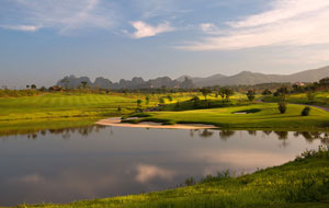 skylake golf resort hanoi