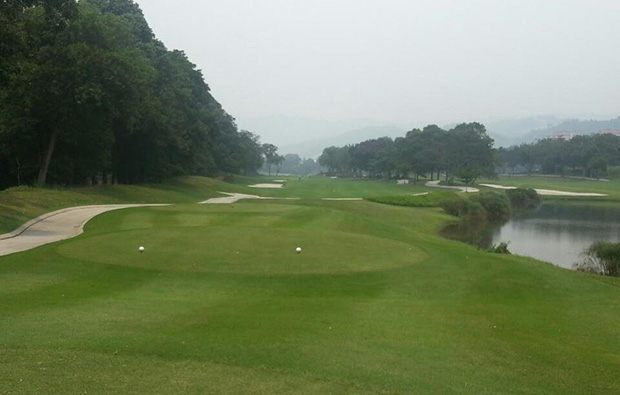 Narrow fairway Tee Box Sungai Long Golf Country Club, Kuala Lumpur