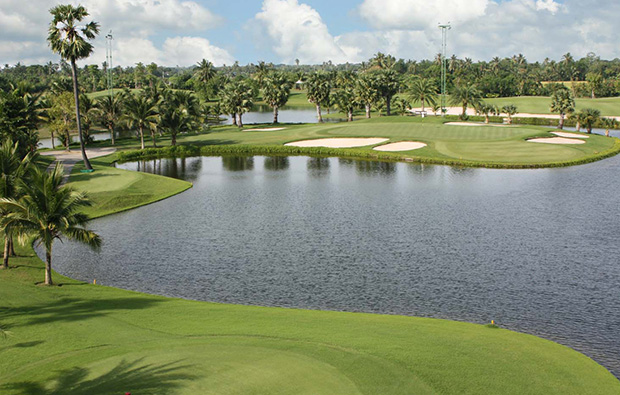 lake, suwan golf country club, bangkok, thailand