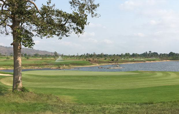 approach to green, siam country club plantation course, pattaya, thailand