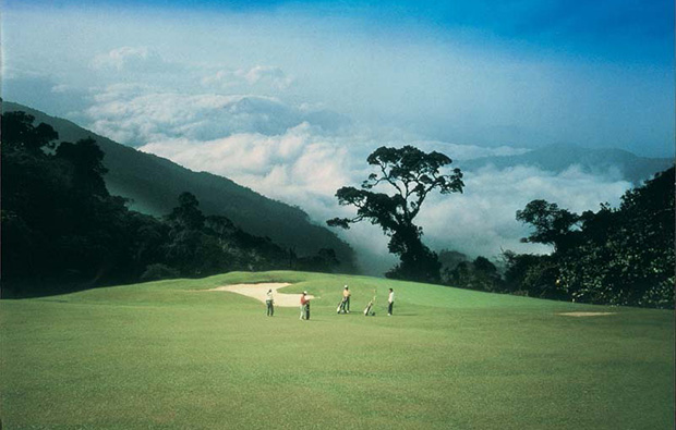 golf in clouds awana genting highlands golf resort