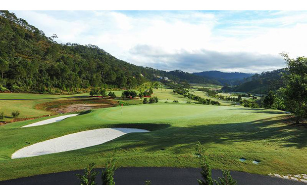 green, sacom tuyen lam golf club, dalat, vietnam