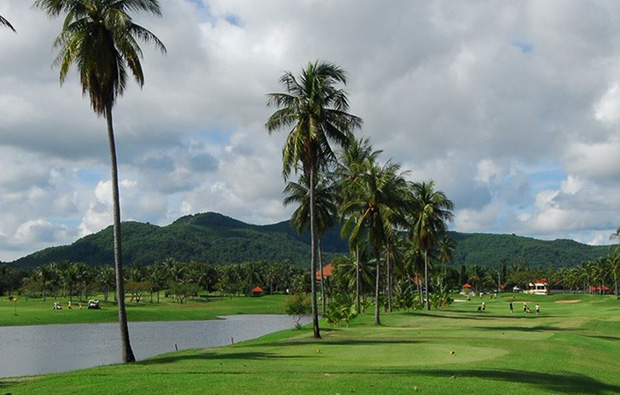 bunker, eastern star country club, pattaya, thailand