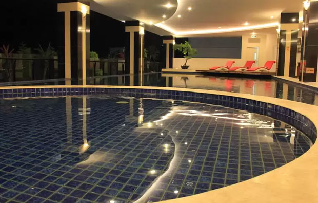 Grand Savero Hotel Indoor Pool