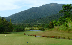1st hole gunung raya golf resort, langkawi