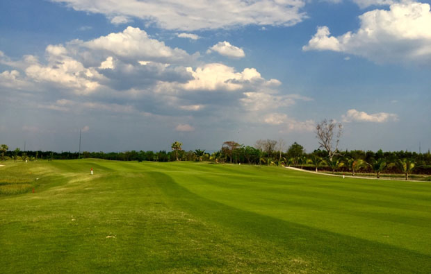 fairway Hariphunchai Golf Club
