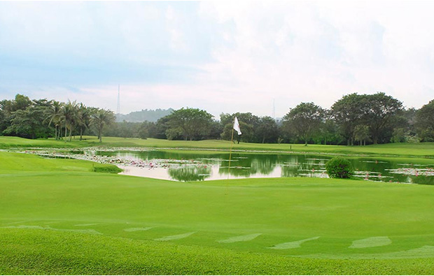 golf scenery at indah puri golf resort, batam, indonesia