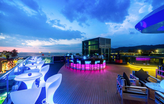 The KEE Resort and Spa Patong Sky Lounge